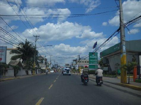 Сан-Франсиско-де-Макорис находится в северо-восточной части острова и относится к провинции Дуарте