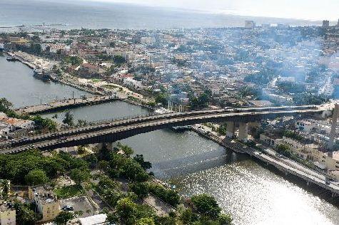 Санто-Доминго расположен в южной части Доминиканы, его население составляет более 2 млн человек
