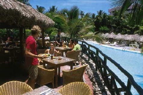 Питание для отеля 4 звезд очень вкусное и разнообразное - от мяса до морепродуктов, от выпечки до вкуснейших десертов, мороженого и фруктов