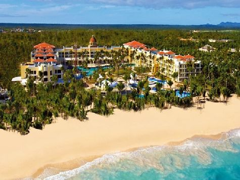 Iberostar Grand Hotel Bavaro предназначен только для взрослых отдыхающих и особенно популярен среди молодоженов, направляющихся на отдых в медовый месяц