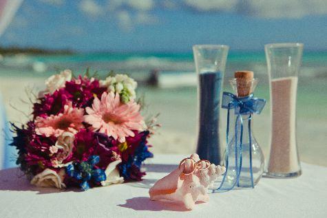 При подготовке к свадьбе всплывает масса мелочей - место проведения, угощения, транспорт..