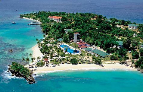 Отель Luxury Bahia Principe Cayo Levantado Don Pablo Collection расположен на островке в заливе Самана