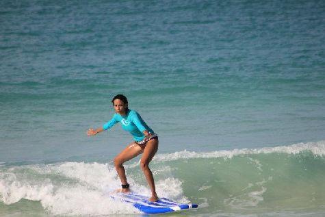 На побережье Доминиканы молодым людям также можно заняться серфингом и кайт-серфингом.
