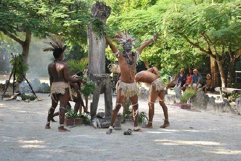 В парке Манати Вы найдете танцующих аборигенов в набедренных повязках, и много других интересных вещей!