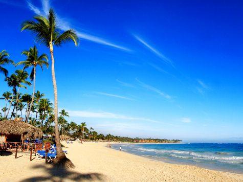 На западе от Санто-Доминго находятся великолепные песчаные, очень чистые пляжи Низао и Паленке